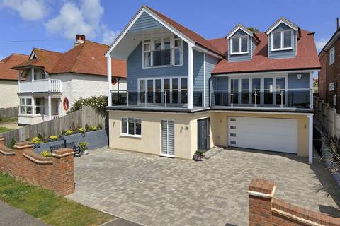 4 bedroom detached house for sale - West Cliff Gardens, Hampton, Herne Bay