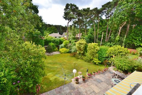 4 bedroom bungalow for sale - Queens Park