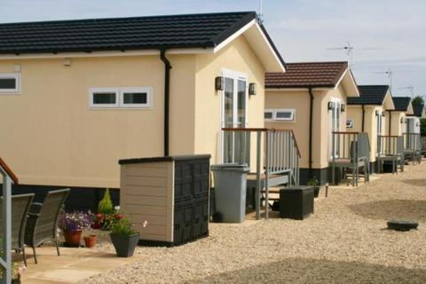 1 bedroom mobile home to rent - The Park Home, Milestone Road, Carterton, OX18 3RT