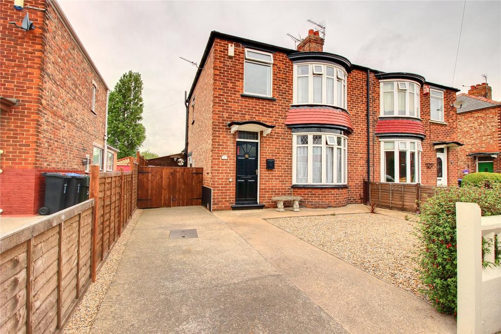 3 Bedrooms Semi Detached House for sale in Leeming Road, Linthorpe
