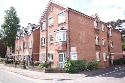 2 bedroom flat - ARCHERS COURT, CASTLE STREET, SALISBURY, WILTSHIRE SP1 3WE
