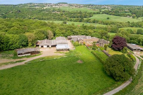 Farm to rent - Town Gate, Calverley, Pudsey, West Yorkshire, LS28