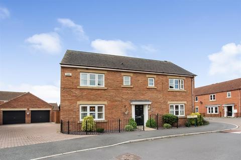 4 bedroom detached house for sale - Wildair Close, Darlington