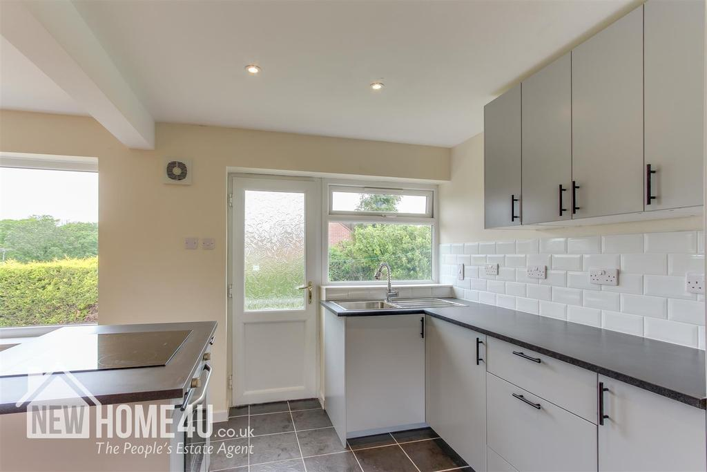 Kitchen / dining / living: