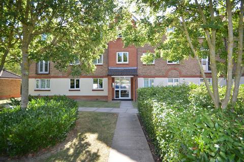 2 bedroom flat for sale - Bodiam Court, Maidstone