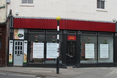 Shop to rent - 30 Market Place, Retford, Nottinghamshire, DN22 6DW