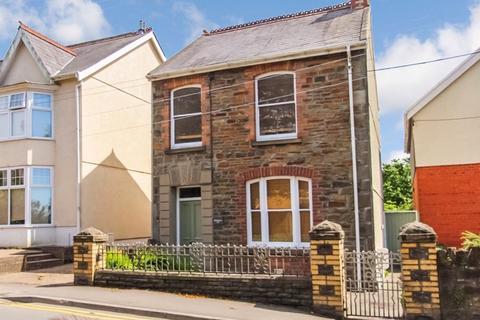 3 bedroom detached house for sale - Glebe Road, Loughor, Swansea, SA4