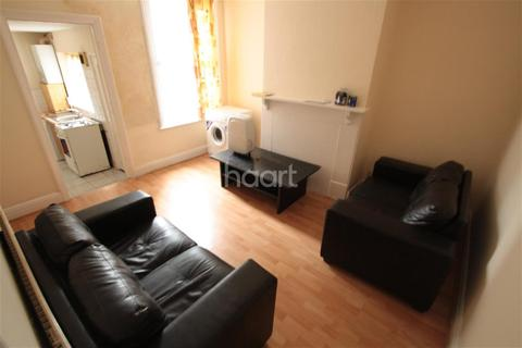 3 bedroom detached house to rent - Dale Road, Luton