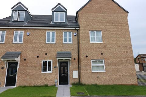 3 bedroom townhouse to rent - Lythe Avenue, Hull