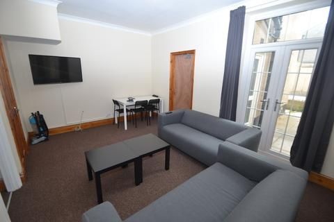 4 bedroom house to rent - Collier Street, City Centre, Newport