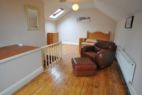 3 bedroom apartment to rent - Vivian Avenue, Sherwood Rise