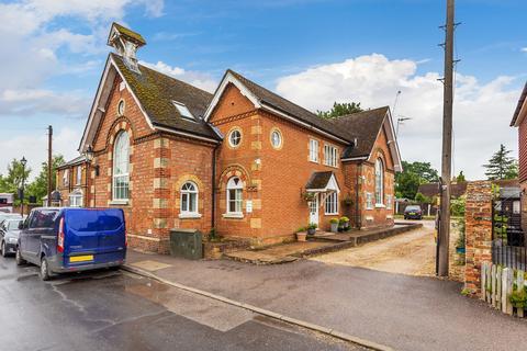 2 bedroom ground floor flat for sale - Lingfield Road, Edenbridge, TN8