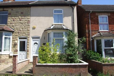 2 bedroom terraced house to rent - Cromwell Road, Rushden, NN10