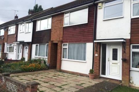 3 bedroom property to rent - Midhurst Gardens LU3