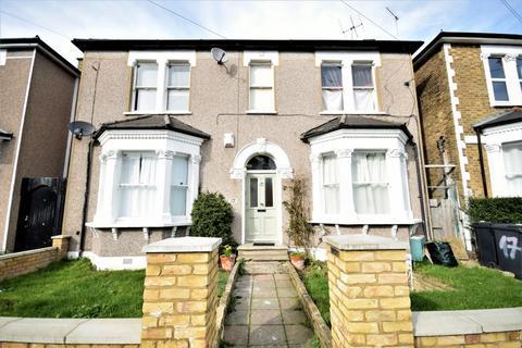 1 bedroom flat for sale - Honley Road, Catford, SE6