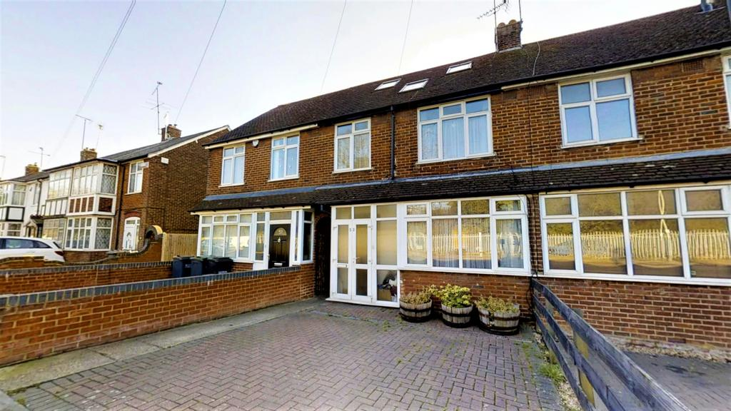 Stunning 4 Bedroom House for Sale Toddington Road