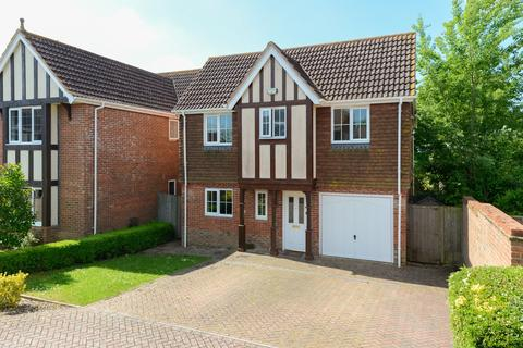 4 bedroom detached house to rent - Haywain Close, Chartfields, Ashford, TN23