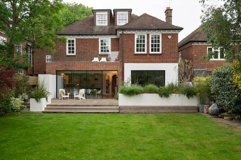 6 bedroom house for sale - Milverton Road, London, NW6