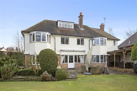 5 bedroom house to rent - Horsall Vale, Woking, GU21