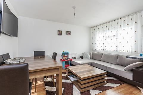 1 bedroom flat for sale - Duncan Court, Green Lanes, Enfield, London. N21