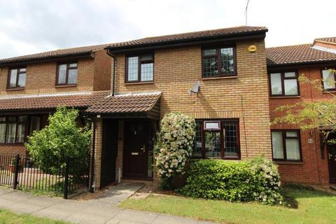 3 bedroom end of terrace house to rent - Nightingales, Langdon Hills, Essex, SS16 6SA