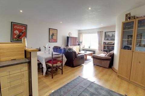 2 bedroom flat for sale - Garden Lodge Close, Derby