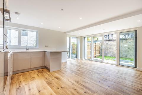 3 bedroom flat for sale - Garratt Lane, Earlsfield