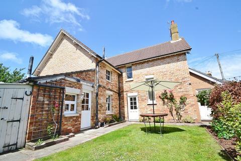 3 bedroom semi-detached house for sale - Heckford Park