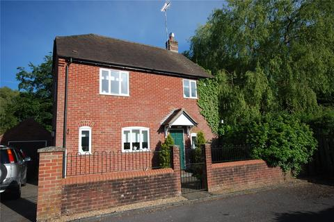 3 bedroom detached house for sale - Highbank Gardens, Fordingbridge, Hampshire, SP6