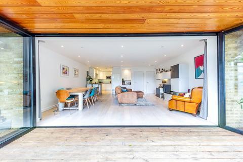 3 bedroom end of terrace house for sale - Wembury Mews, Highgate, London, N6