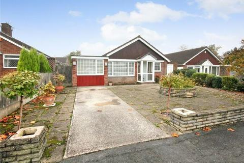 3 bedroom detached bungalow to rent - Melrose Crescent, Hale