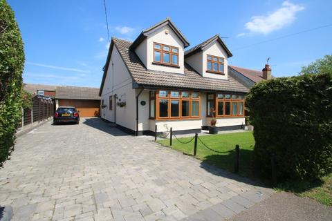 5 bedroom detached house for sale - Hawkwell Park Drive, Hawkwell