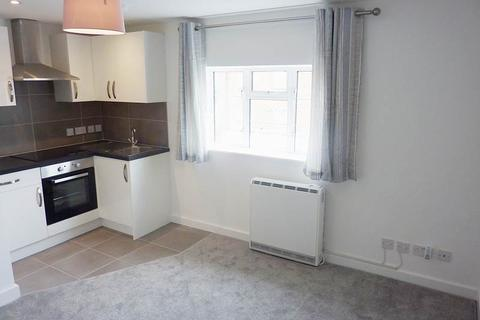 2 bedroom flat to rent - Maxwell Road, Beaconsfield