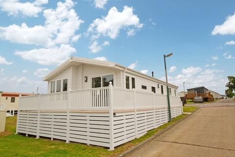 2 bedroom static caravan for sale - Valley Road, Clacton-On-Sea