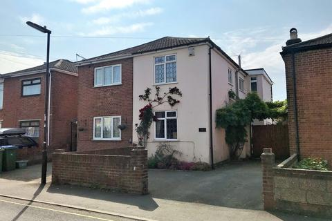 3 bedroom semi-detached house for sale - Kingston Road, Southampton
