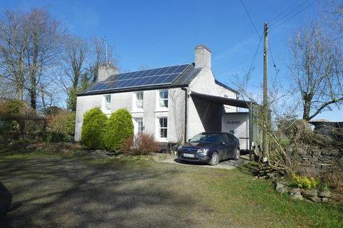 5 bedroom property with land for sale - Llanddewi Brefi, Tregaron