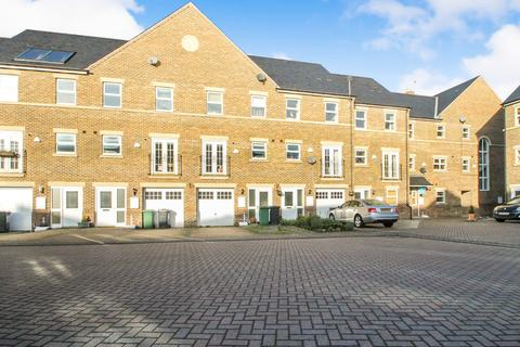 4 bedroom detached house to rent - ALL BILLS INCLUDED,Carisbrooke Road, Headingley
