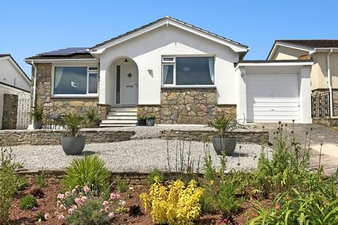 2 bedroom detached bungalow for sale - Broadley Drive Livermead, Torquay, TQ2