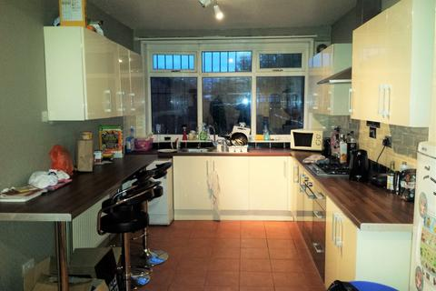 5 bedroom semi-detached house to rent - Derby Road, Fallowfield