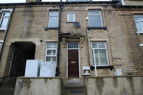 3 bedroom terraced house to rent - Dirkhill Road, Bradford, BD7 1QR