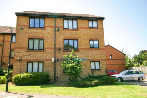 2 bedroom ground floor flat for sale - Littlebrook Avenue, Close To Burnham Station, Slough