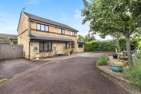 5 bedroom detached house for sale - Thompson Drive, Caversfield, OX27