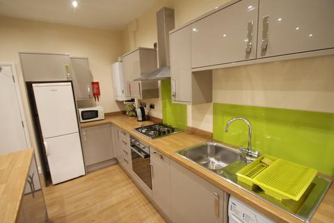 5 bedroom flat share to rent - Beech Avenue , Nottingham  NG7