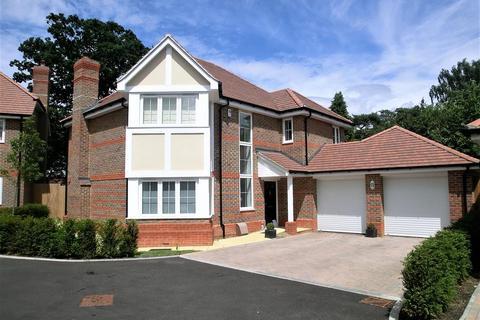 4 bedroom detached house to rent - Chapman Close, Wokingham, RG41 4ES