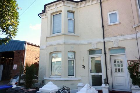3 bedroom house to rent - 74 Ashdown Road, BN11