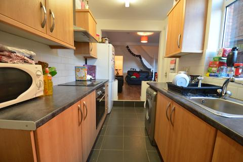4 bedroom house to rent - Lovely 4 Double Bedroom Student House, Milner Road, Selly Oak, Academic Year 2019 - 2020