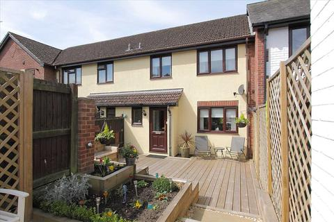 3 bedroom apartment for sale - Three bedroom home in central Overton!