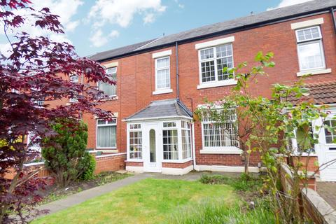 3 bedroom terraced house for sale - Raglan Street, Jarrow, Tyne and Wear, NE32 3AY