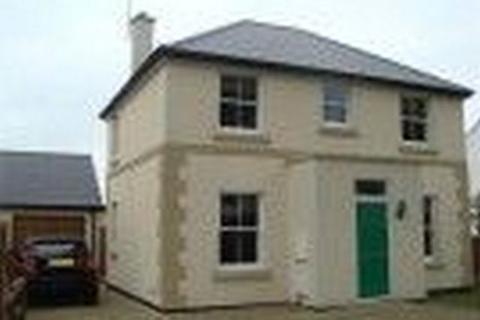 4 bedroom detached house to rent - Gloucester Road, Cheltenham GL51
