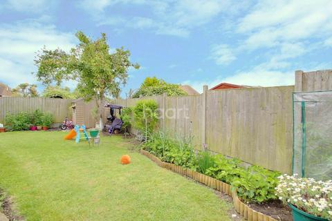 3 bedroom bungalow for sale - Crow Hill, Broadstairs, CT10